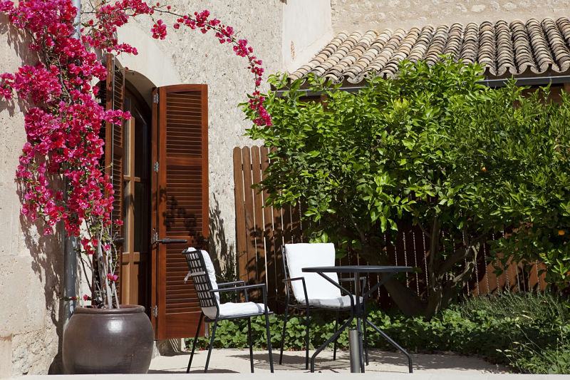 Castell_Son_Claret_Demi_Suite_Gardens_opt