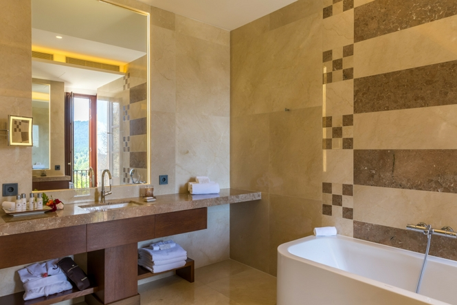 Luxury Hotel in Mallorca, Luxury Suites, Luxury Lifestyle, Castell Son Claret (3)