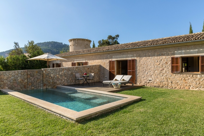 Private Pool Suites In The Luxury Hotel In Mallorca