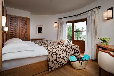 Interior de la Water Tower Duplex de Castell Son Claret, el hotel con habitaciones y Suites de lujo en Mallorca. Increíble Duplex en una antigua Torre de agua, rodeado por la naturaleza de la Serra de Tramuntana.