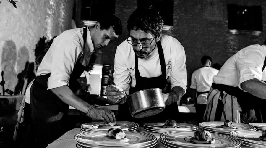 Das Porträt von Roberto Gotelli, dem italienischen Food & Beverage Manager des Restaurants Olivera auf Mallorca.