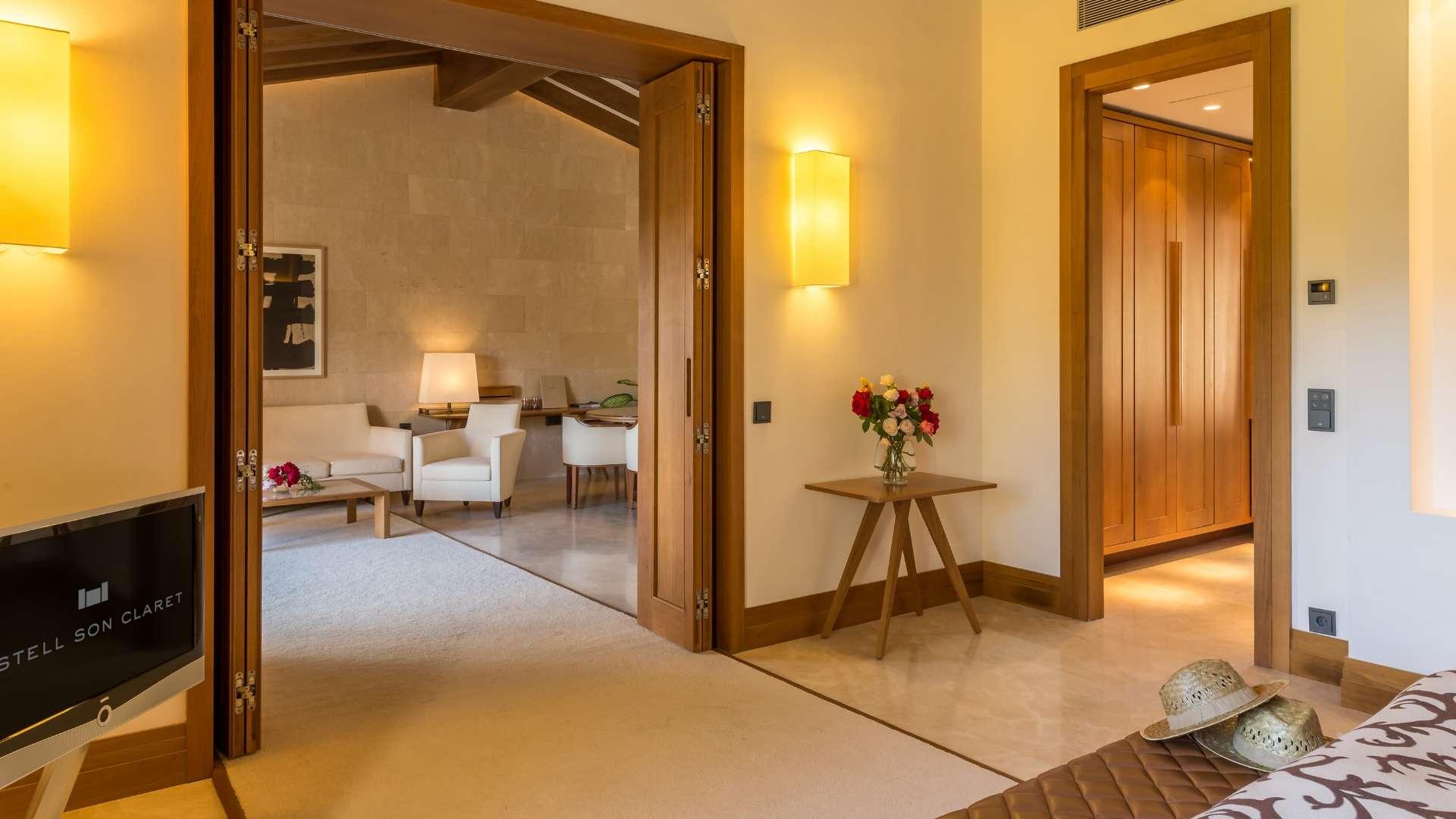 Castell Son Claret Pool Suites Mallorca (2)