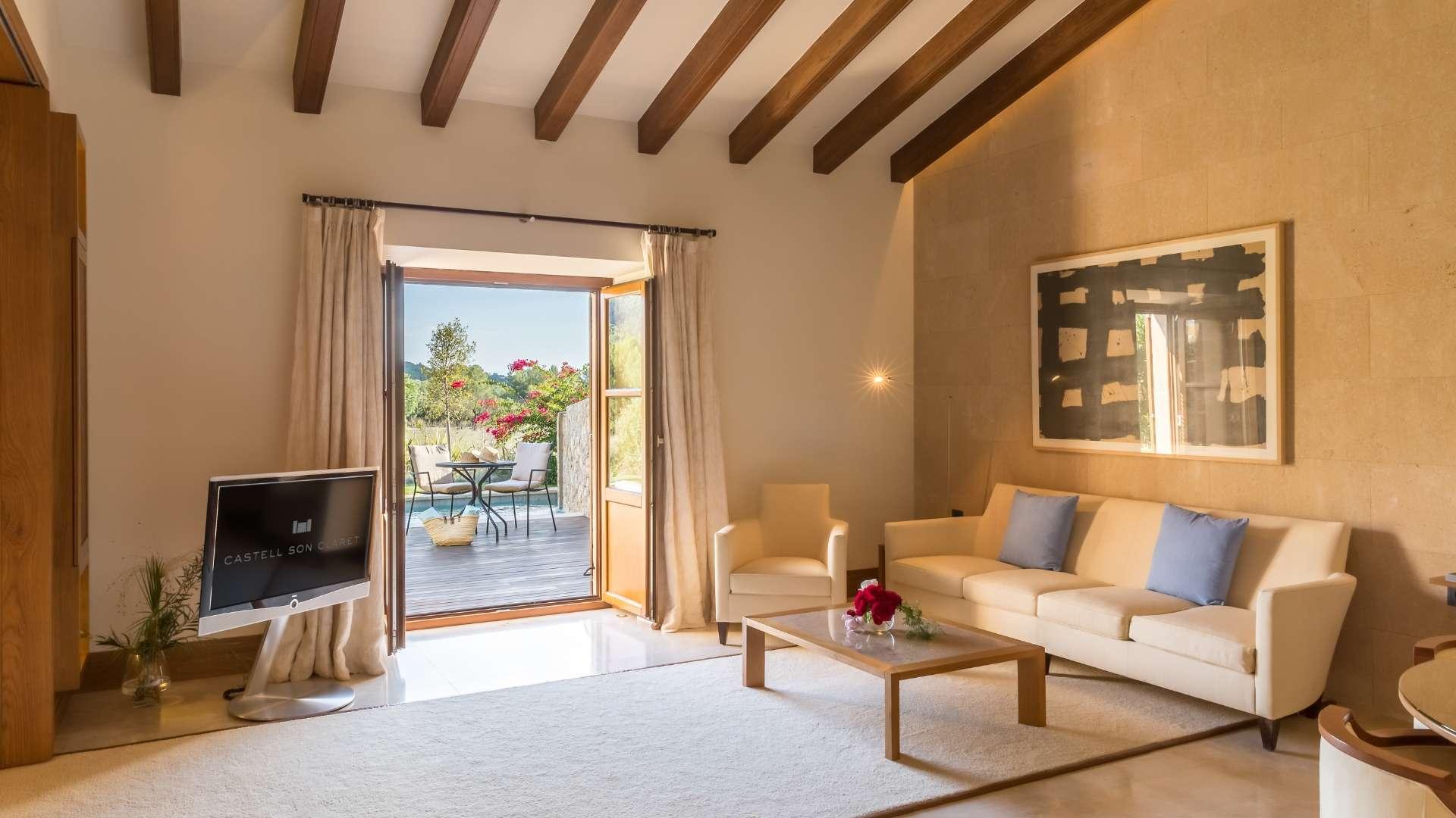 Castell Son Claret Pool Suites Mallorca (4)