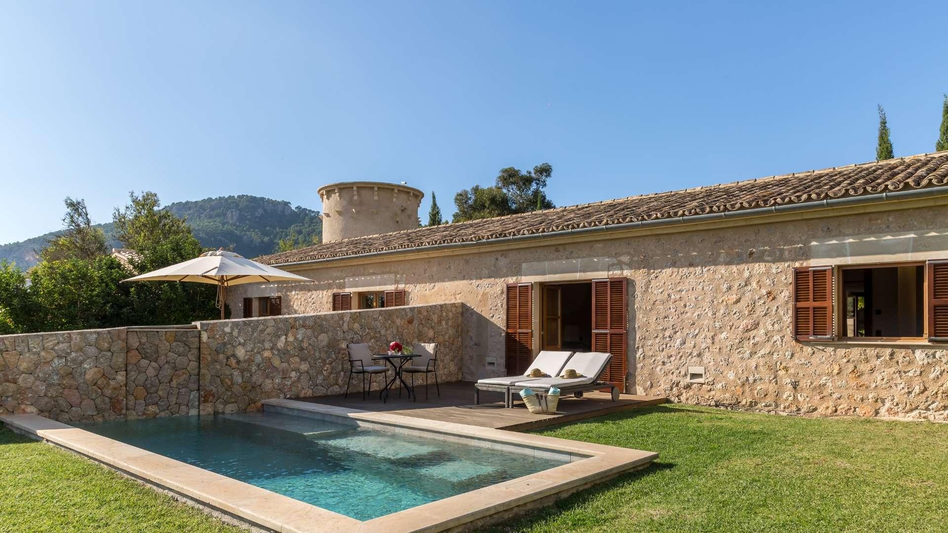 Castell Son Claret Pool Suites Mallorca (5)
