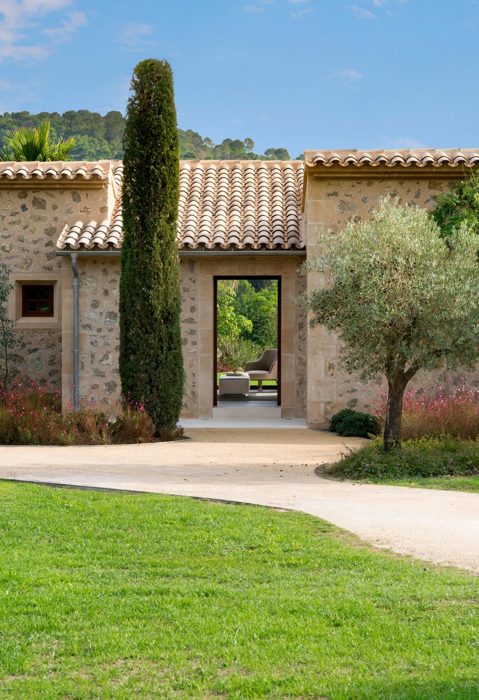 Castell Son Claret Pool Suites, Mallorca (2)